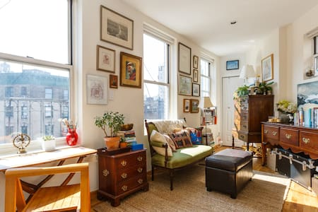 My home is a little sun-palace: it gets light at all hours of the day. It's a haven from the hustle & bustle, while right in the middle of NYC's best neighborhood (and is walking distance to SoHo, Meatpacking, Tribeca, Union Sq, Chelsea, etc).