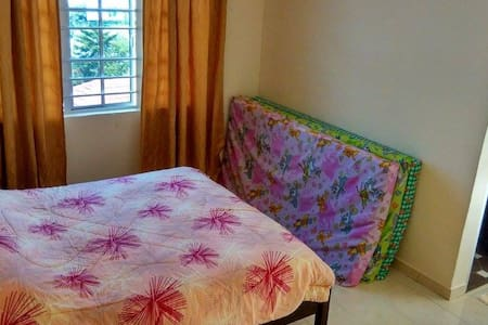 Crown Imperial Court Homestay - Apartment