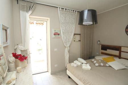 Refined apt - Seaview in old town