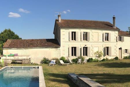 Maison de charme - piscine - Cognac - Angeac-Champagne