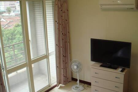 時尚雙人房,全新設備42吋LED液晶電視,獨立空調,歡迎您入住. - Huvila