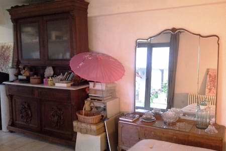 Glyfada Cozy Garden Studio with A/C