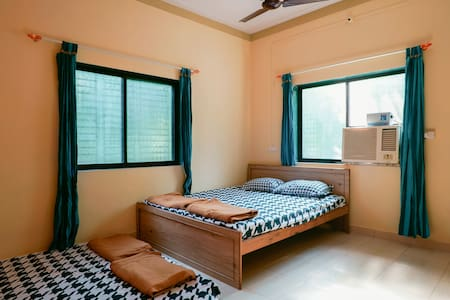 Double bedded pvt. AC room Alibaug - Nandgaon - Villa