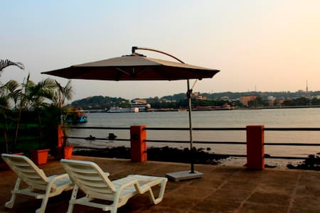 Luxurious River View Cottage At Betim Goa - Kabin