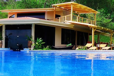La Luxuria Luxury Surf Villa