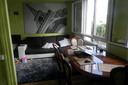 un f3 trés spacieux et confortable - Wohnung