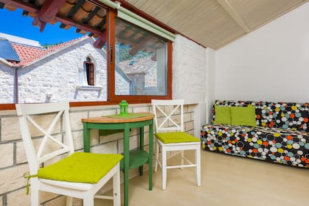 Hektorovic house Room2 - Hvar - Bed & Breakfast
