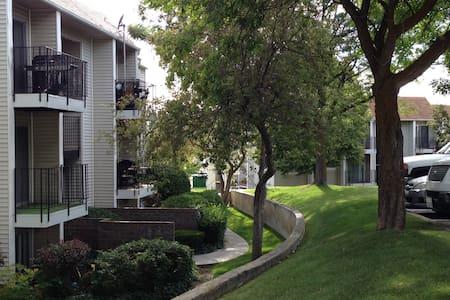 Condo / Beautiful Quiet Community - Apartamento