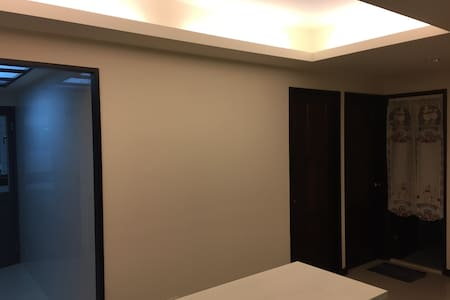 Taichung 台中交通便利 鬧中取靜 現代簡約 B - Entire Floor