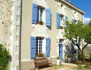 Maison Marie, Le Petit Mont - Droux