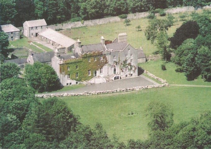 Cregg Castle - Castle