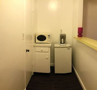 Cozy Private Getaway Near LAX - Culver City - Apartment