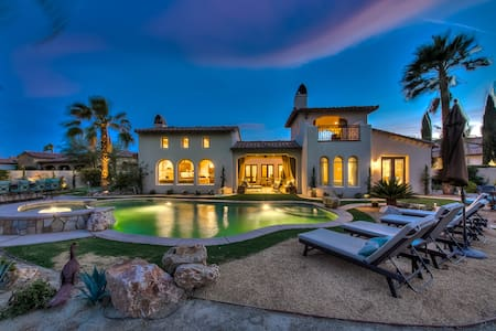 'Cappella' Pool, Spa, Fire Pit, 4 Bed, Sleeps 14 - La Quinta
