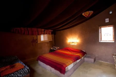 Camping Zebra, Kheima 1 - Bed & Breakfast
