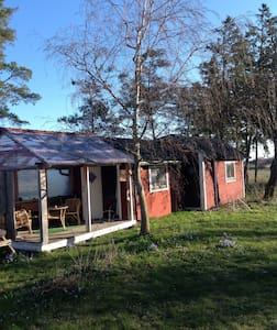 Tingstade farm cottage. Summertime - Huis
