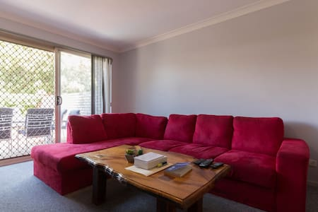 Leederville is the place to be !!! - Leederville - Townhouse