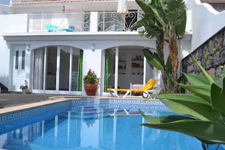 Pool Studio with Ocean View - Caniço - House
