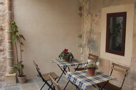 Típica casa mallorquina - Sant Joan