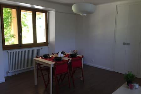 Appartement en rez de maison - Appartement