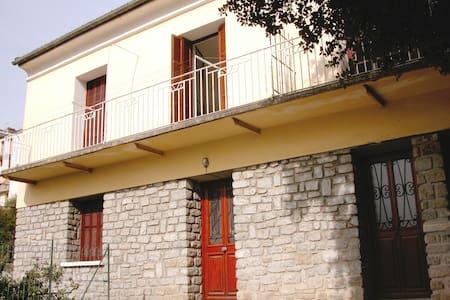 Appartement dans villa - Corte - Wohnung
