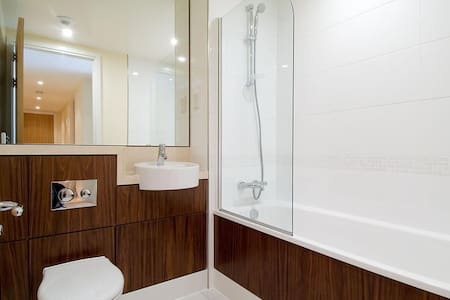STUNNING 1 BEDROOM IN CHELSEA - London - Apartment