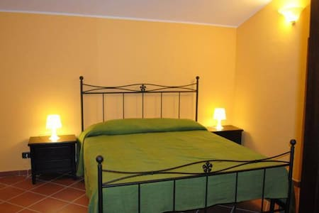B&B CASCINA LE NOCI - Venafro - Bed & Breakfast
