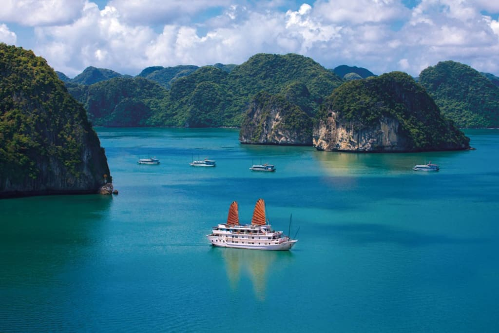 Romantic Honeymoon Suite at Halong