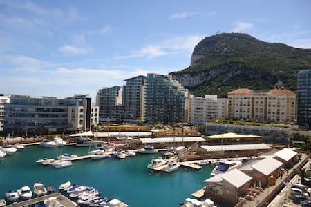 Single room, breakfast, fab views - Gibraltar