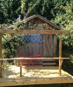 The Blue Box-a unique bedroom cabin - Cabane