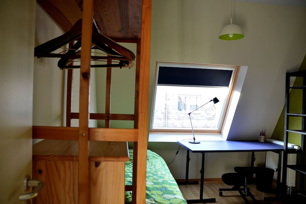 Single room with all the comfort - wifi- dvd - towels - bedlinnen