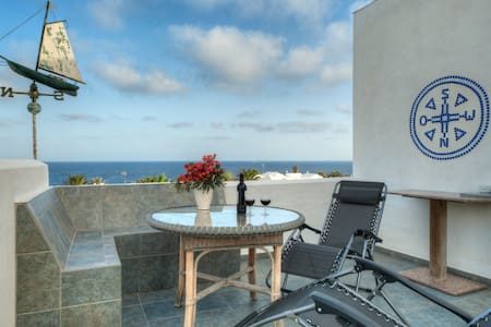 Spacious refurbished Apartment 70 m. from Seashore - Charco del Palo - Lägenhet