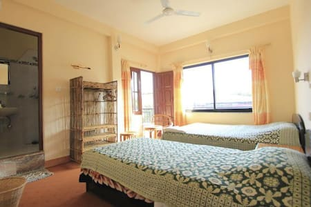 Private room with view - Pokhara - Bed & Breakfast