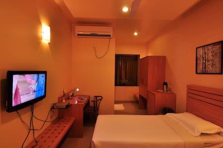 HOTEL MADHAV  INTERNATIONAL - Pune