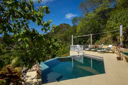 Alagana House | Private Villa - Falmouth Harbour - Casa