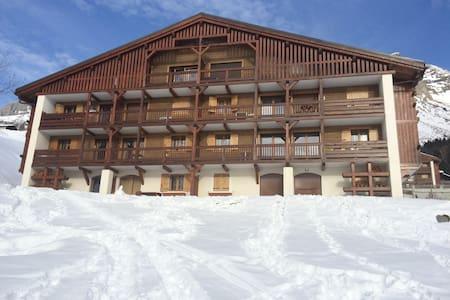 Appartement Type 2 dans Chalet