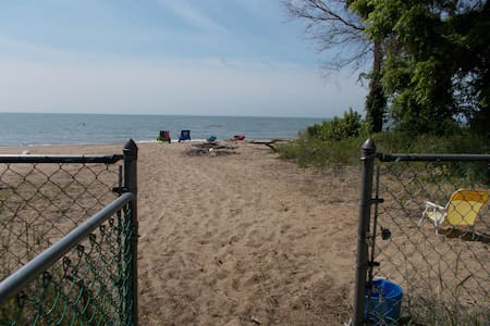 Lakefront Home in Kingsville ON