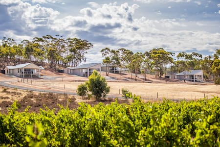 Neagles Retreat Villas - Emu Flat - Villa
