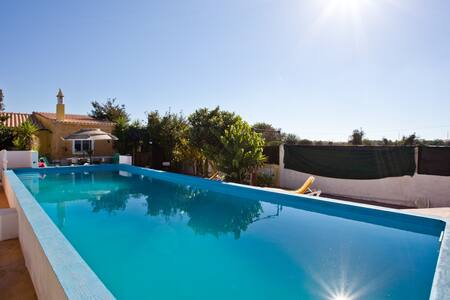 Just two minutes walk from railway! - Silves