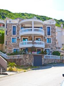 Апартаменты 500 м от моря 4 этаж 5 - Budva - Huoneisto
