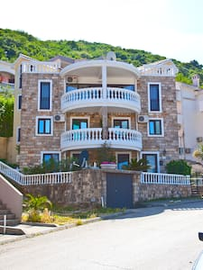 Апартаменты 500 м от моря 4 этаж 5 - Apartment