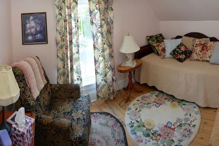 MDW -Gracie's Room