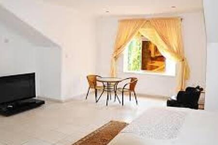 Magnolia Gold Bed and Breakfast - Asokoro Abuja - Bed & Breakfast
