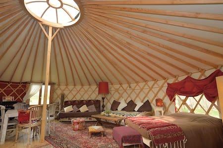 La yourte des Gîtes de la Bohème - Yurt