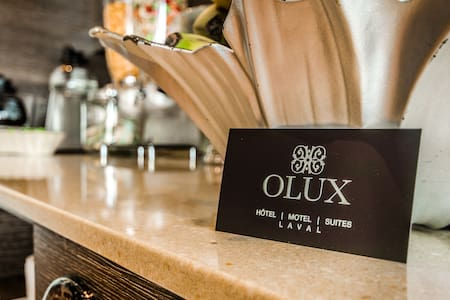 OLUX HOTEL MOTEL SUITES ( DELUXE) - Laval - Bed & Breakfast