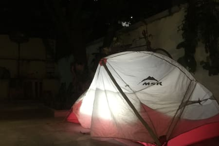 Camping in a garden in center of GZ