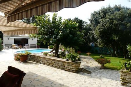 villa avec piscine privée - Casa