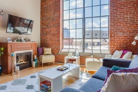 Luxury Historic Downtown Loft