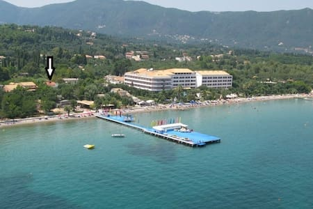 2BD Beach Apartment in Dassia Corfu - House