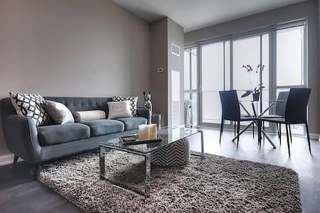 Modern 2 bedroom at Yonge&Sheppard - Lyxvåning