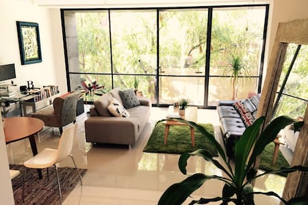 Very nice room for rent in our beautiful apartment. Located in Condesa (close